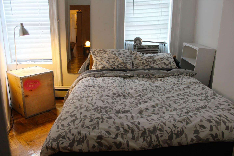Cozy room in Cute Williamsburg Apt