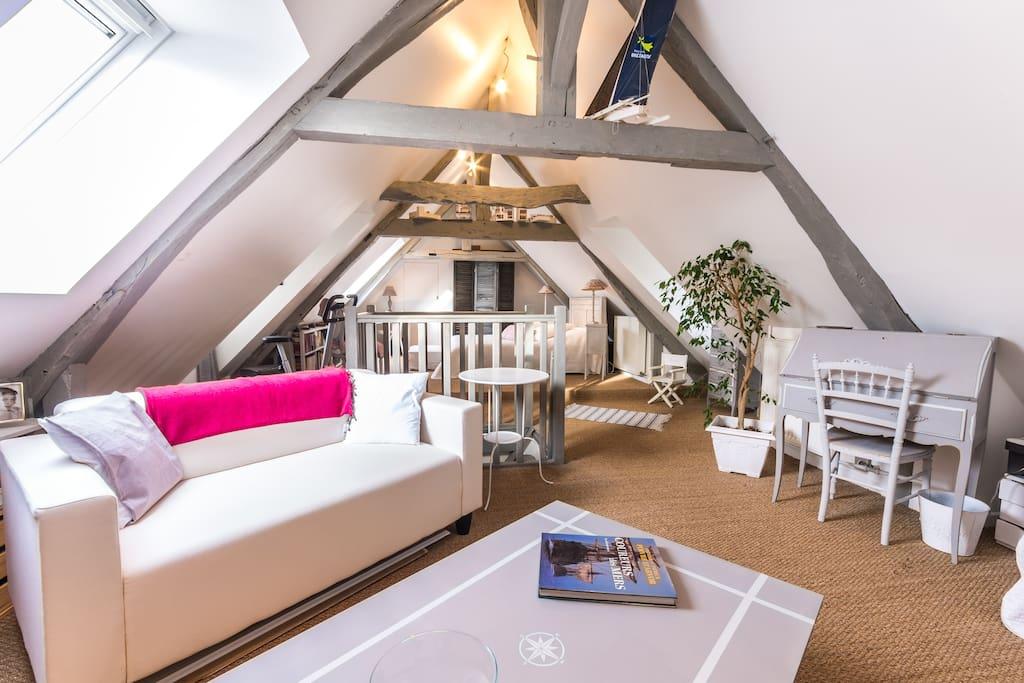 spacieuse chambre 3 personnes dortoirs louer caen basse normandie france. Black Bedroom Furniture Sets. Home Design Ideas