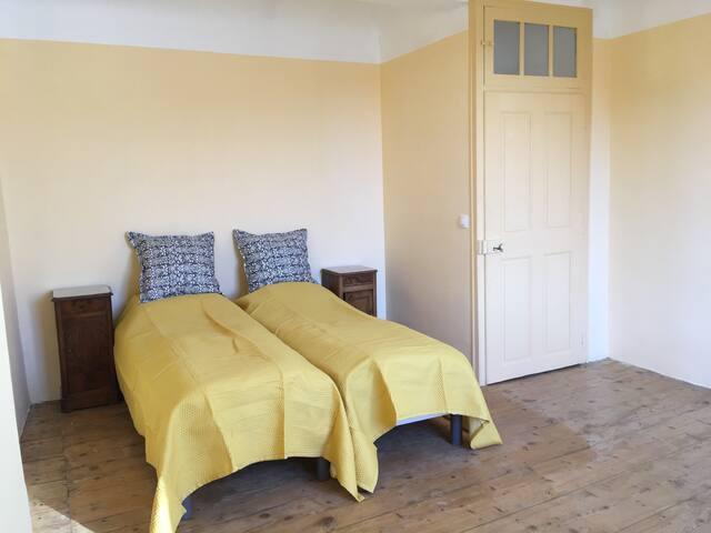 The yellow room/La chambre jaune/Det gule værelse