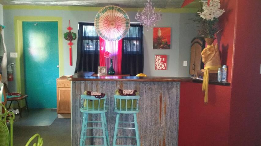 Eclectic Artist Jewel in S. Texas!