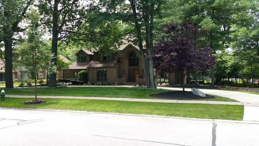 Beautiful home in Cleveland area! - Westlake - Huis