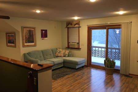 Hidden Hills Suite