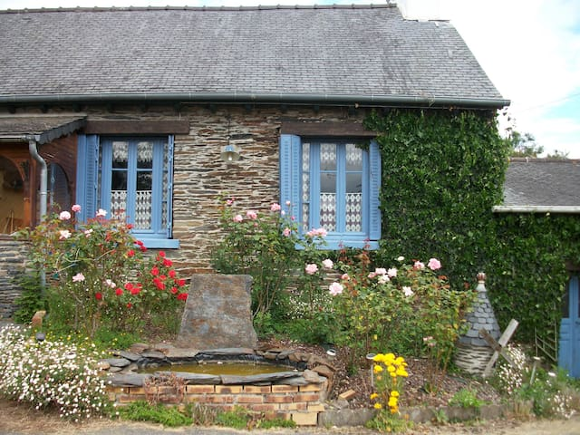 Cottage, Brittany Lake, sleeps 6 - Caurel - Rumah