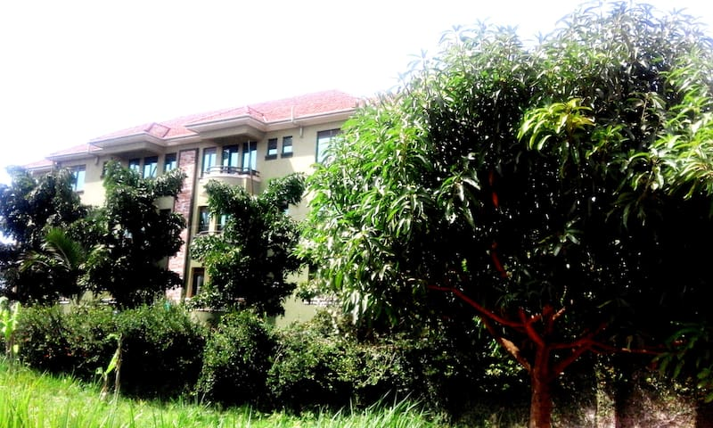 well furnished room in a lovely apartment - Kampala - Apartament