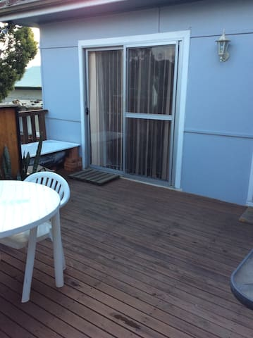 Spacious room in Blacktown area. Close to trains.