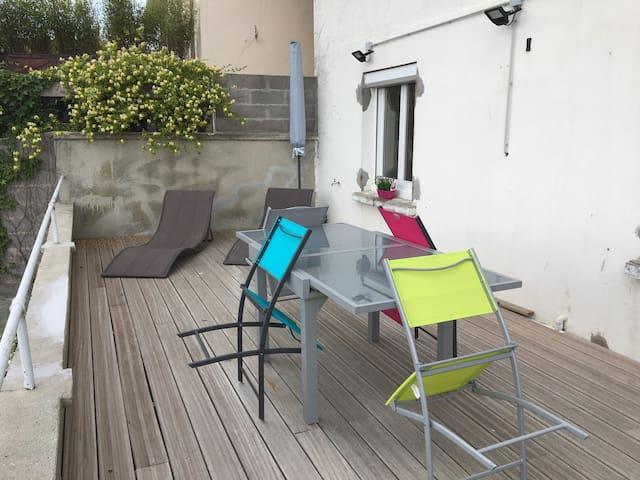 Au 70 Appartement lumineux pour2, avec terrasse