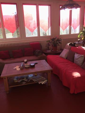 Chambre grand lit , val de Durance - Château-Arnoux-Saint-Auban - Таунхаус