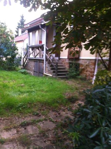 Maisonette individuelle avec grand jardin