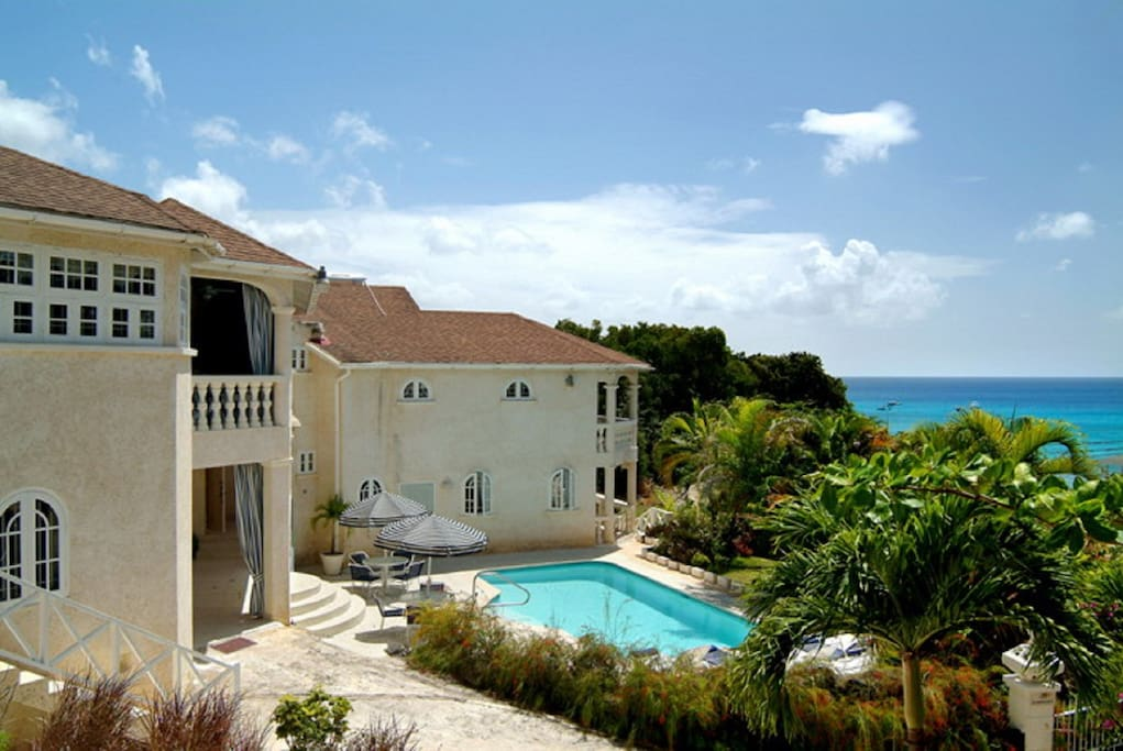 Exclusive villa with private exclusive pool