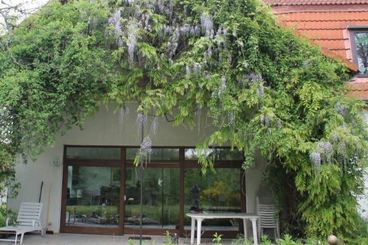 Großes Haus im Grünen für Gäste der Hannover Messe - Lehrte - Dům