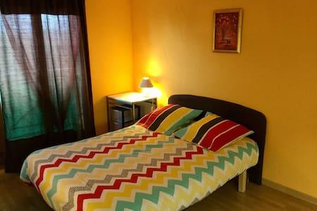 Petit studio privé tout confort à Pibrac village - Pibrac