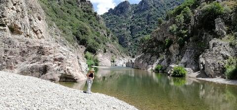 Nytt!Ferula, vacker utsikt över det sardiska berget