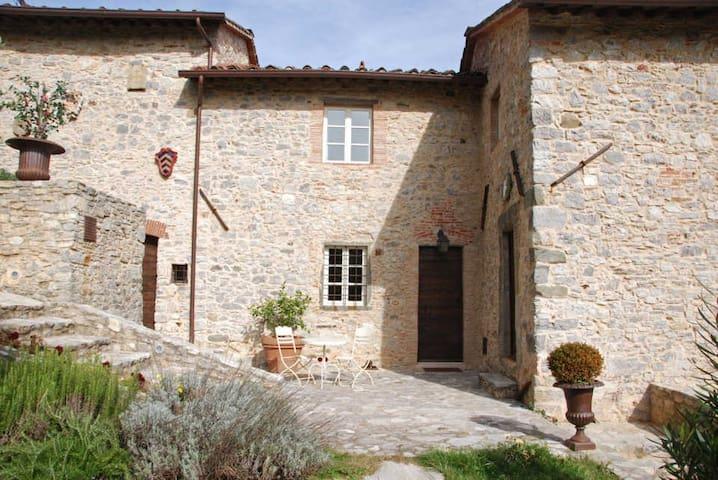 Gran Burrone - Stone-built house in ancient Hamlet - Borgo a Mozzano - House