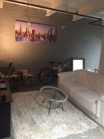 Artist Loft in Historic Brewhouse - Pittsburgh  - Byt