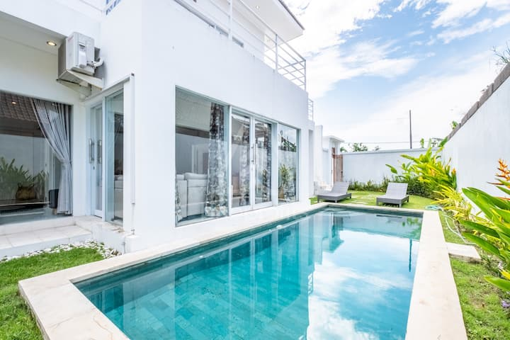 Beautiful 3BR Villa with Sparkling Pool in Sanur