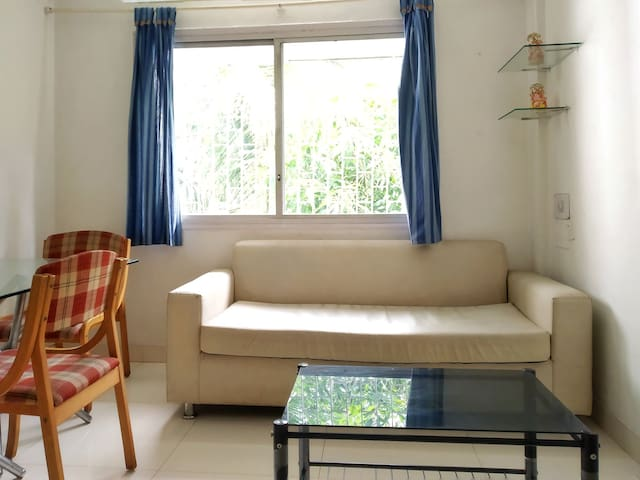 AC, Kitchen Apartment in Koregaon Park