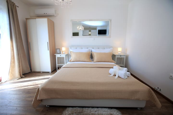 New 4 Star Apartment with Sea View - Šibenik - Appartement