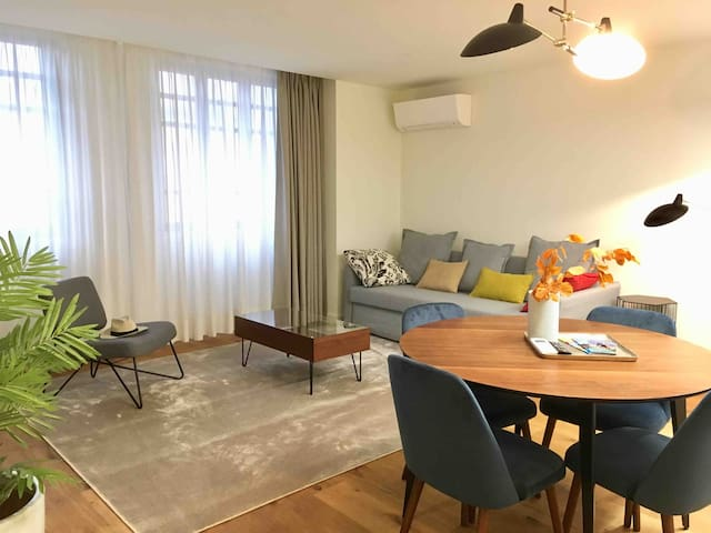 Spacious 1bedroom apart w/ parking option-downtown