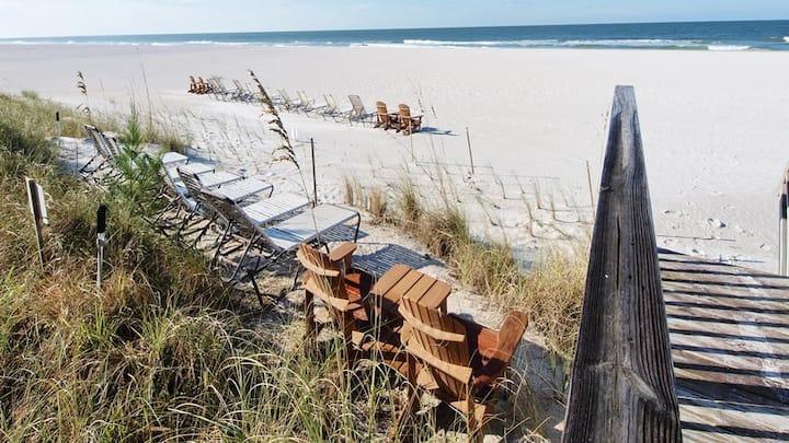 Bradenton Beach Club - Sleeps 6 with Private Beach Access