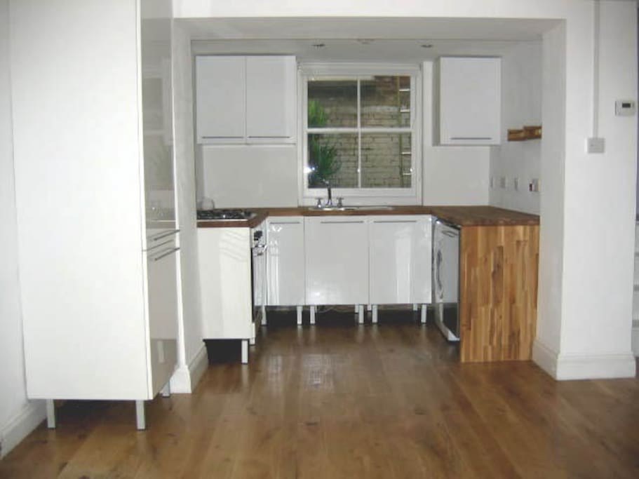 Kitchen from entrance.