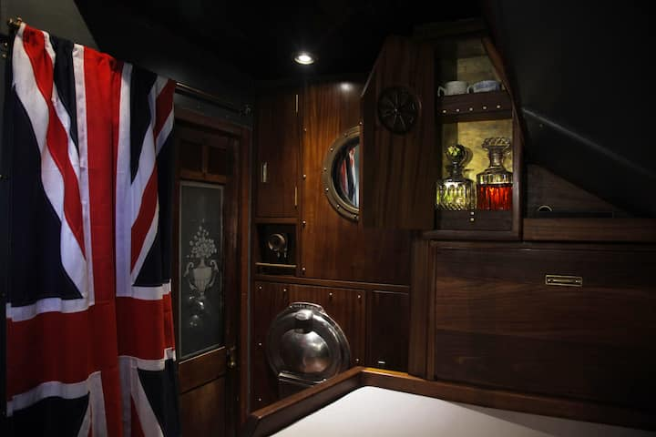 Historic ship First Officer's cabin, Tower Bridge
