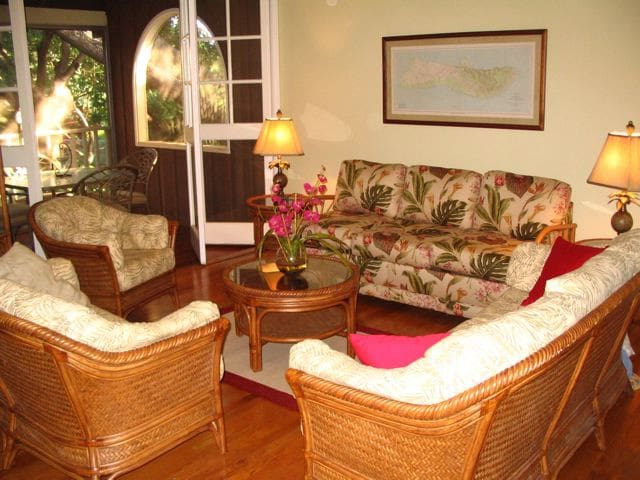 Beautiful Hawaii Condo on the Island of Molokai - Maunaloa - House