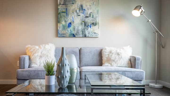 Stylish 1BD bringing an urban edge to city living