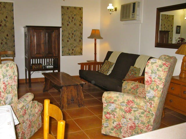 Chelsea Cottage Bungalows for Rent in Durban North KwaZulu