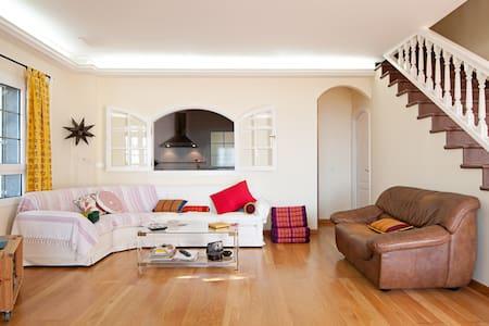 Cool & special house, amazing views - Tafira Baja - Haus