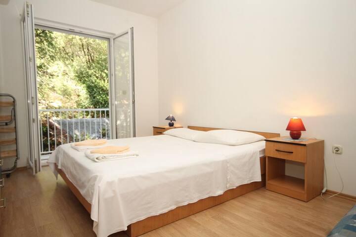 One bedroom apartment near beach Pasadur, Lastovo (A-8337-d)