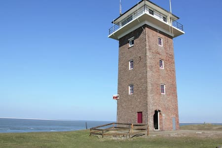Heritage Holiday Home in Huisduinen near Sea