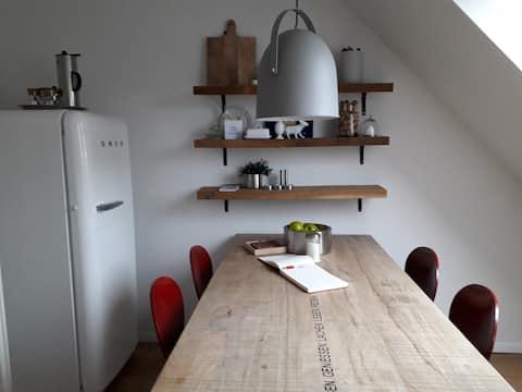 Charmante, moderne Wohnung