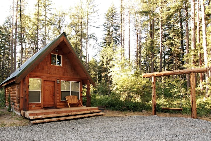 **Knot A Care Cabin**  a Custom Rustic Retreat!