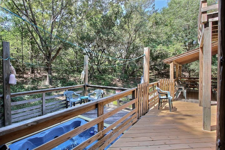 3065* Hideaway* 8 min. drive to beach access/20 min. walk* Pet Friendly* Open Floor Plan