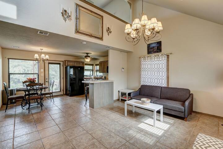 Picturesque Mountainview home near Fort Sill