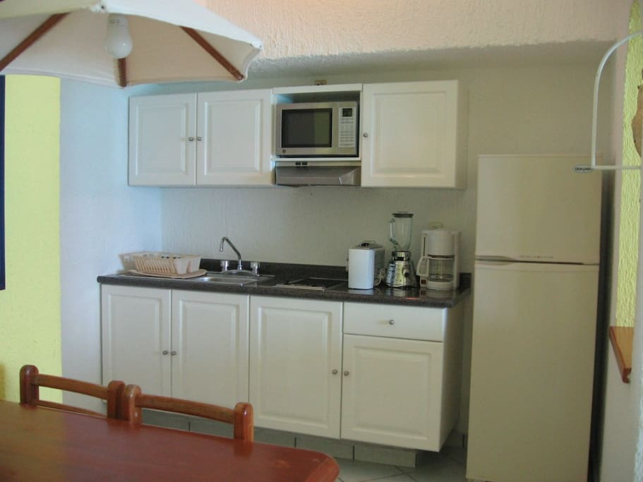 Unit 1811- Equipped Kitchenette