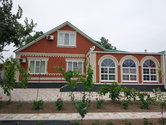 Дом на берегу Азовского моря