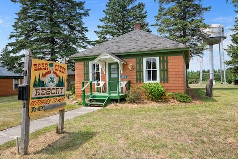 Centrally Located - Historic Blaney Park- Superior