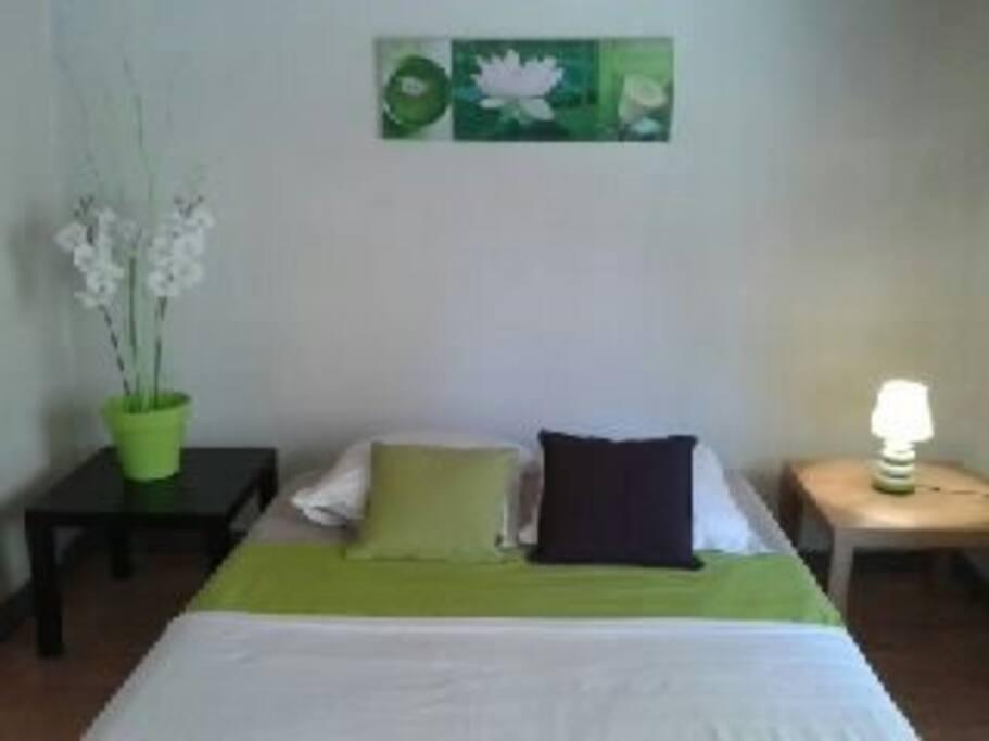 t1 vacances marseille prox calanque apartments for rent in marseille provence alpes c te d. Black Bedroom Furniture Sets. Home Design Ideas