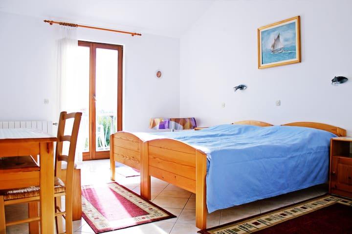 Villa Delfin nice island Solta  - Gornje Selo - Bed & Breakfast