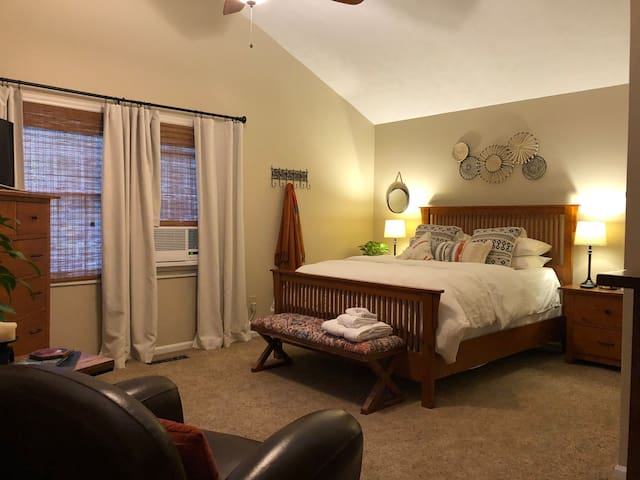 Auburn Guest Suite Getaway w/ Pool & Private Entry