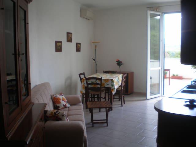 tranquillo e grazioso appartamento  - Monti - Lejlighed