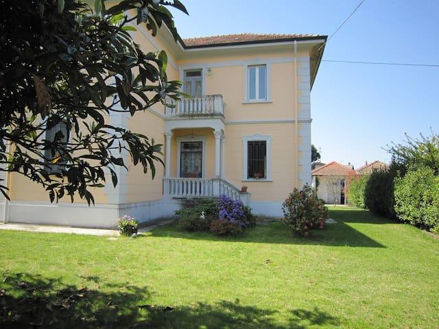 Villa su due piani a due passi Lago Maggiore - Castelletto sopra Ticino