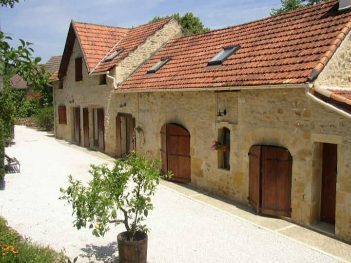 Welcoming house, close to Sarlat