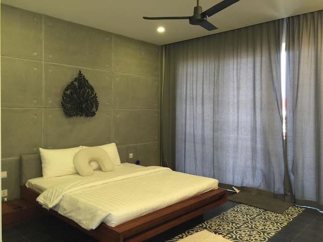 Sweet & Cozy Studio Apartment + Free Pick Up
