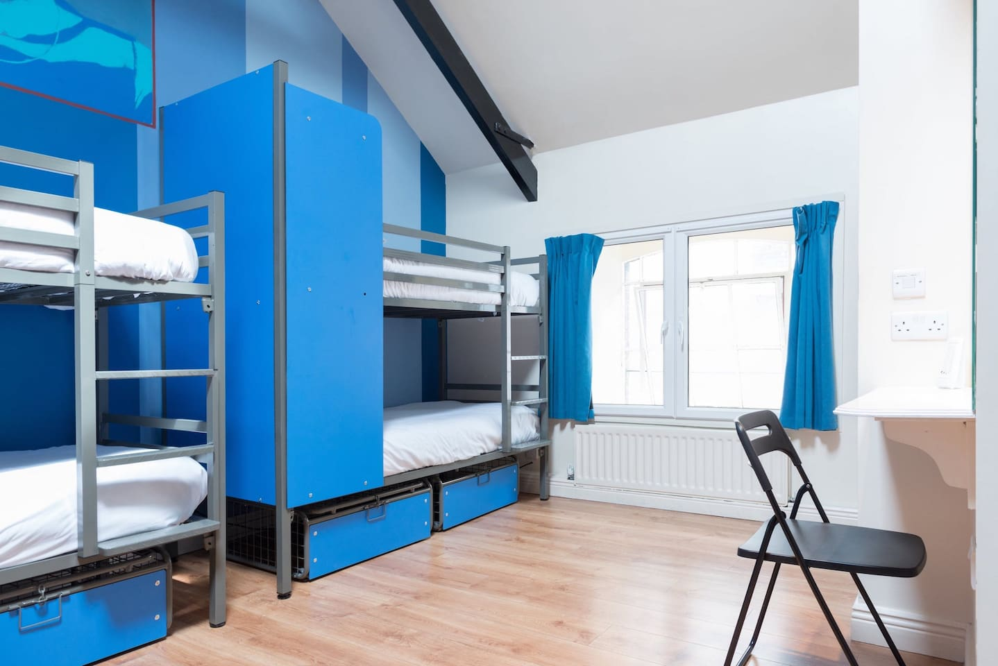 Sky Backpackers - Boutique Hostel (Bed in 6 Bed Dorm Ensuite)