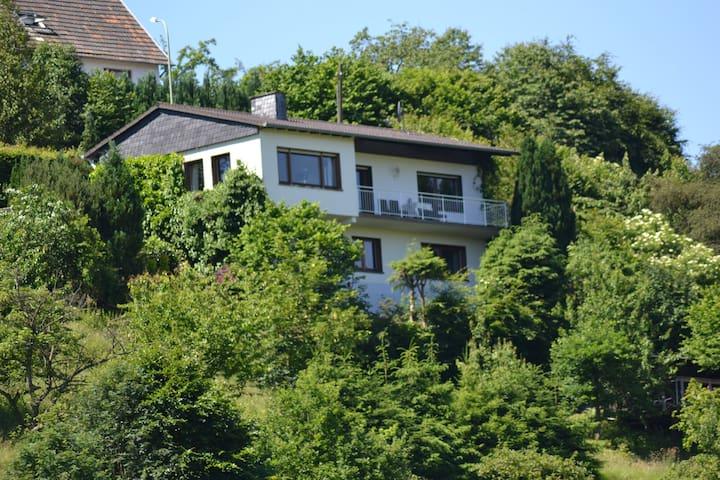Haus in Panorama- und Ausflugslage - Simmerath - Hus