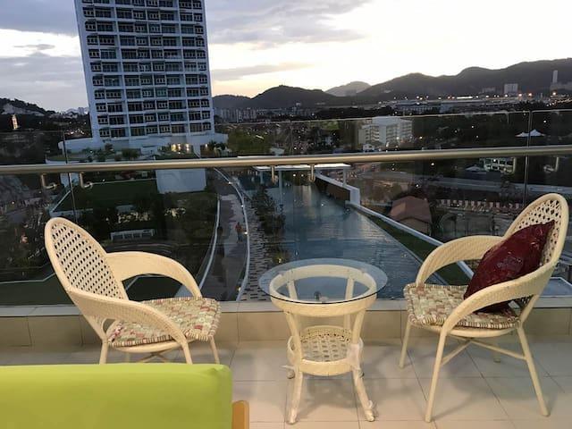 360 hill & sea view with Summer Breeze @Tan - Bayan Lepas - Leilighet