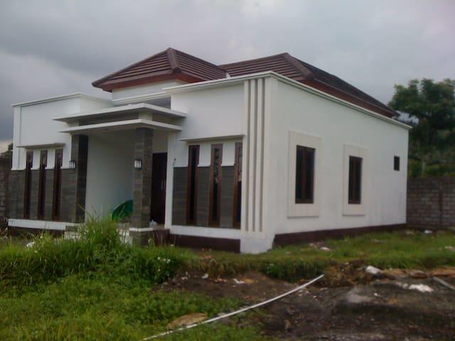 Telaga tawang house