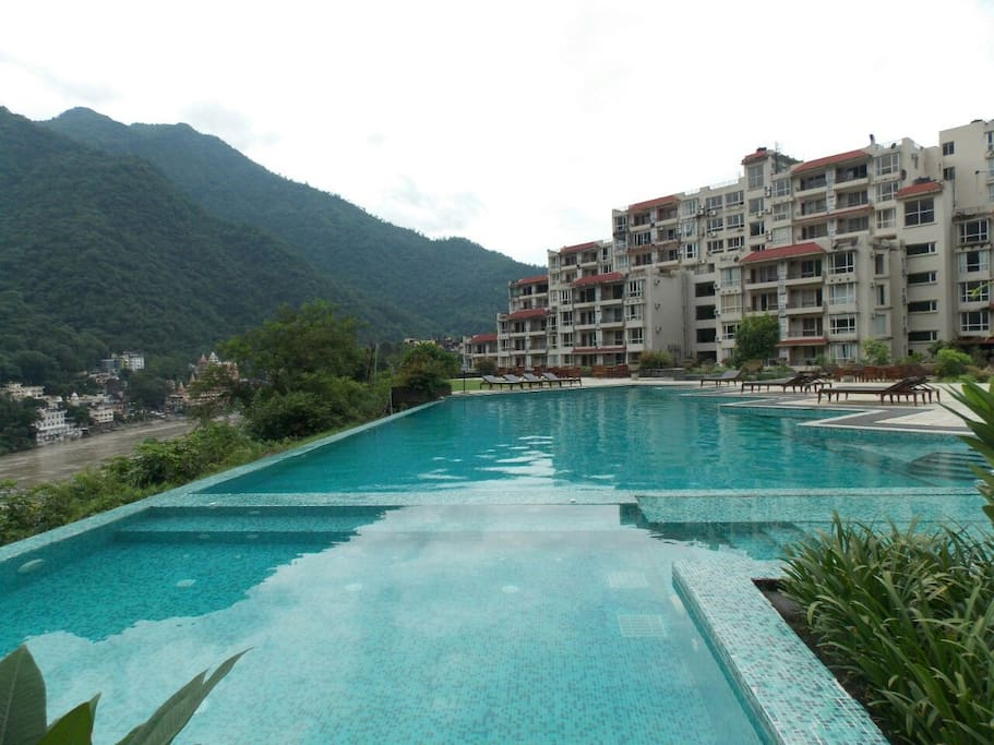 ALOHA Complex w/ Pool